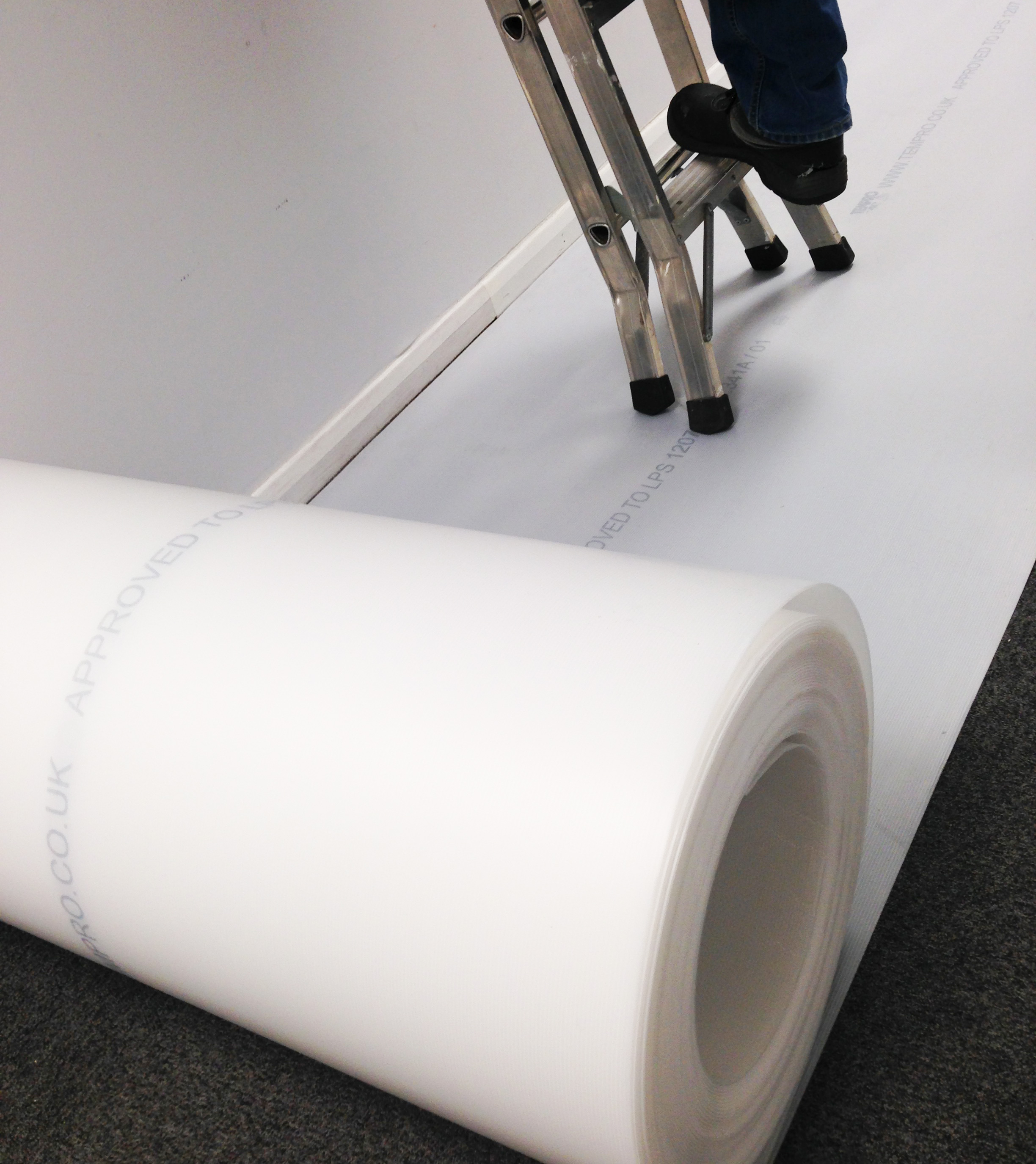 Correx (corex) Corrugated Plastic Roll Floor & Surface Protector 1M x 50M x 2mm White Fire Retardant